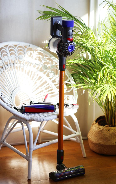 aspirateur dyson v8 absolute modasic. Black Bedroom Furniture Sets. Home Design Ideas